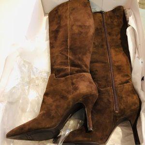 Size 8 Nine West Dark Brown Suede Boots